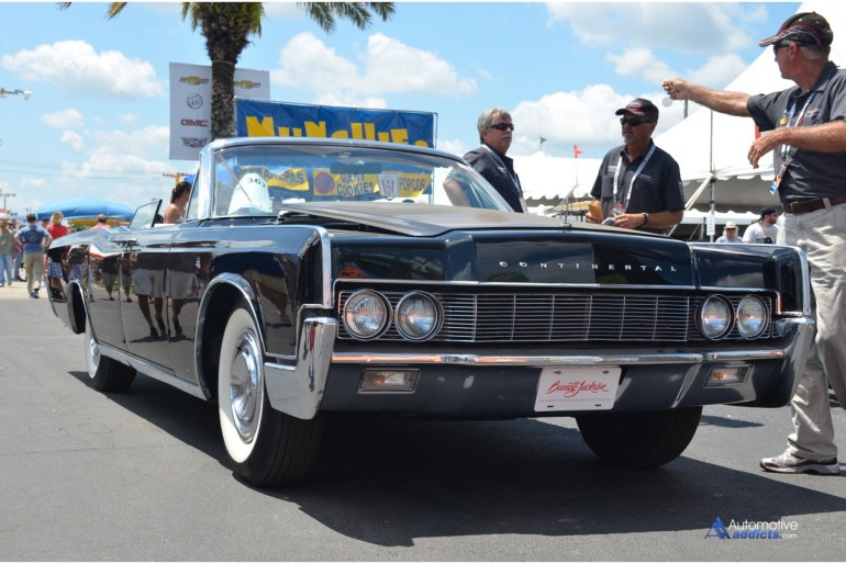 1967-Lincoln-Continental-Convertible