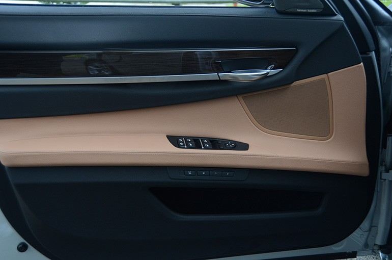 2015-bmw-740ld-door-trim
