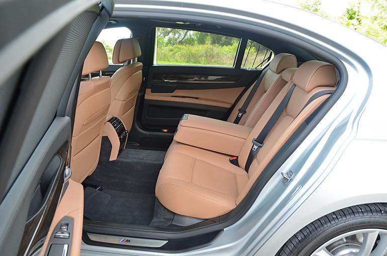 2015-bmw-740ld-rear-seats