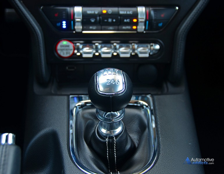 2015-ford-mustang-gt-50th-anniversary-6-sp-shifter