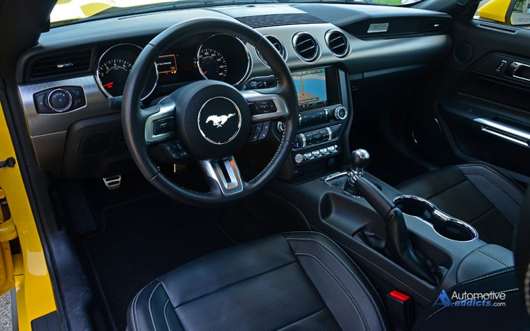 2015-ford-mustang-gt-50th-anniversary-dashboard