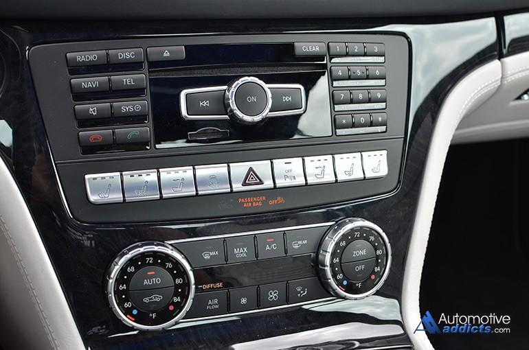 2015-mercedes-benz-sl400-center-console