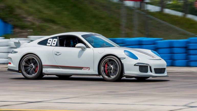 Automotive Addicts Fan Takes New 2015 Porsche 911 GT3 To Sebring: Track Video