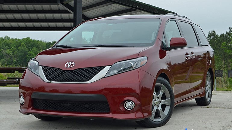 2015 Toyota Sienna SE Review & Test Drive