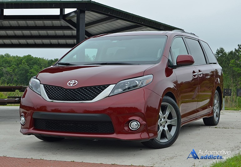 2015 toyota sienna se review test drive. Black Bedroom Furniture Sets. Home Design Ideas