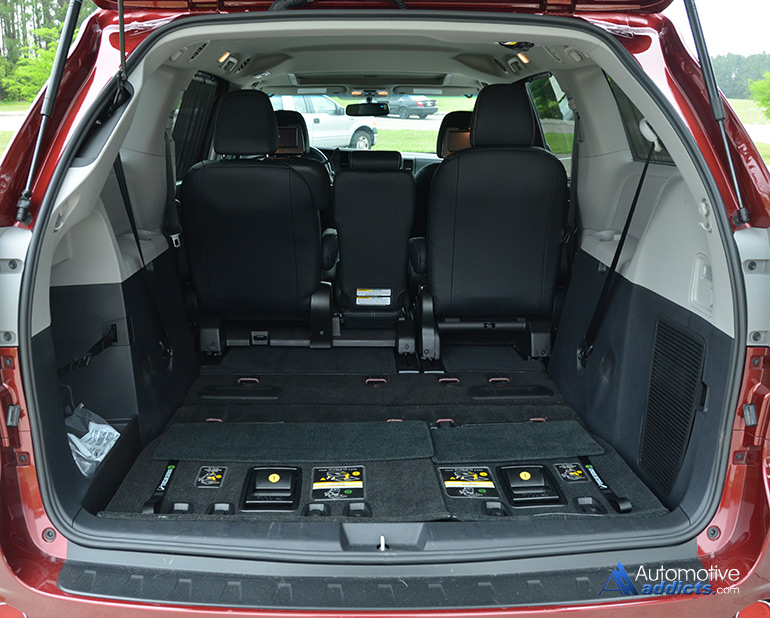 2015 Toyota Sienna Se Rear Cargo Seats Down