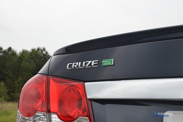 2015-chevrolet-cruze-turbo-diesel-badging
