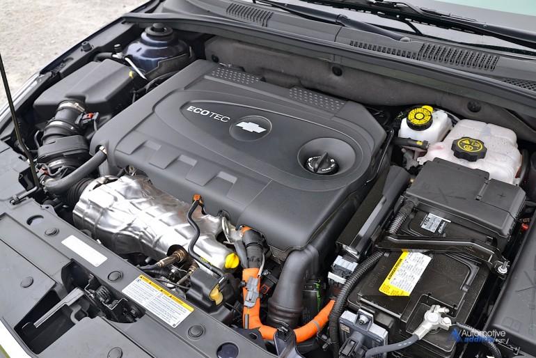 2015-chevrolet-cruze-turbo-diesel-engine