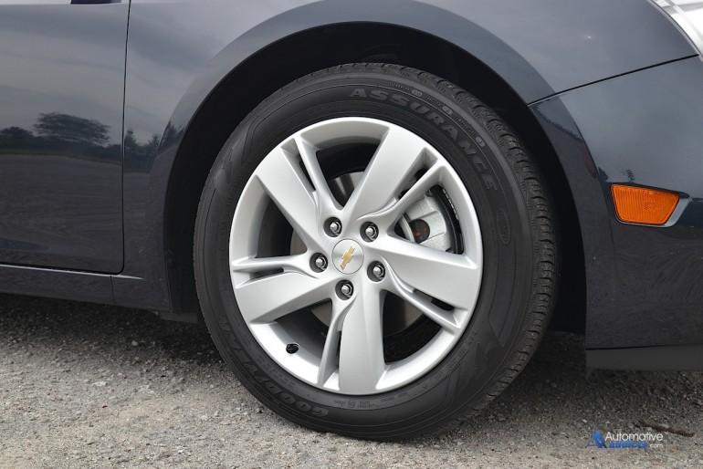 2015 chevrolet cruze turbo diesel wheel tire. Black Bedroom Furniture Sets. Home Design Ideas