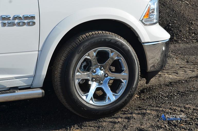 2015-ram-1500-laramie-4x2-v6-crew-cab-wheel-tire