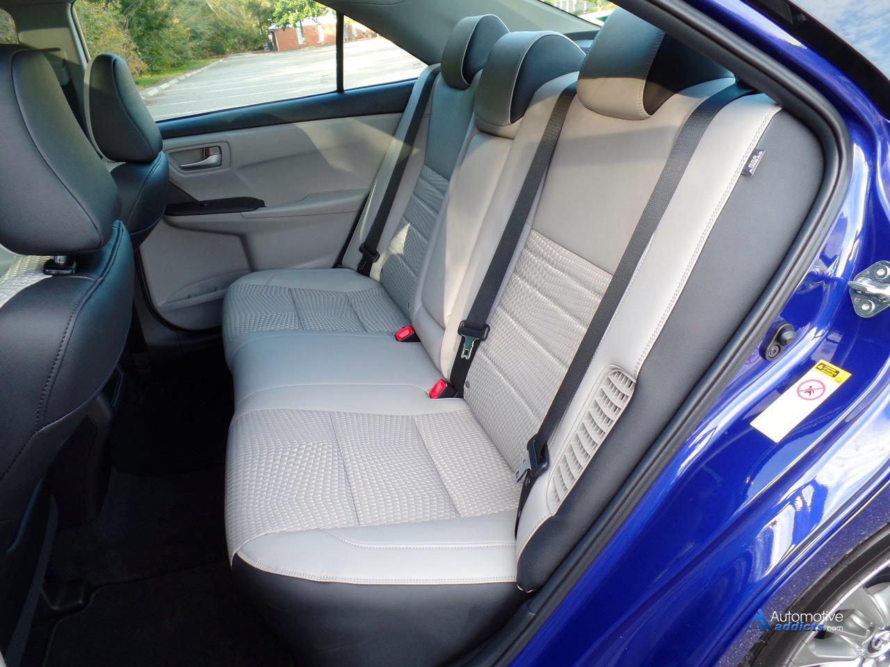 2015 Toyota Camry Se Hybrid Rear Seats