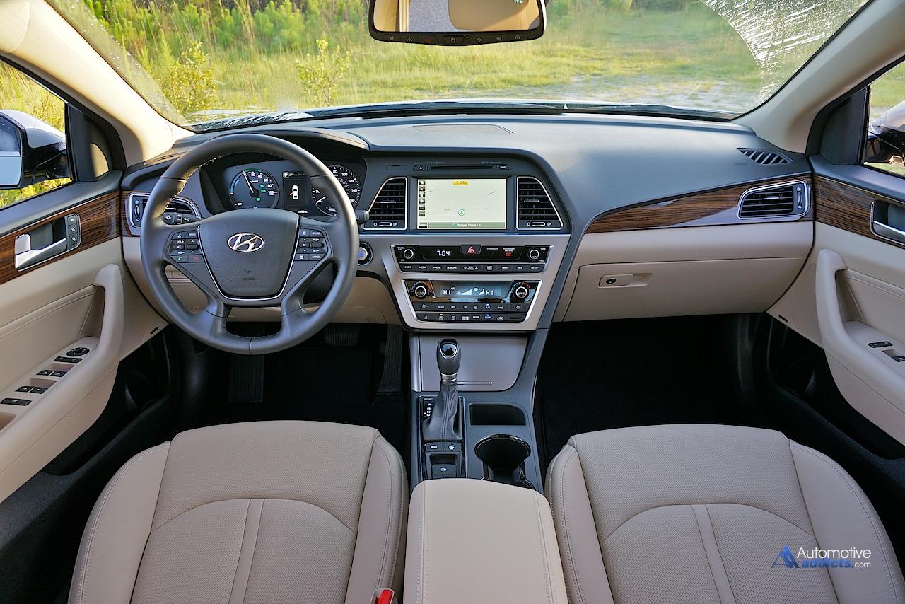 2016 Hyundai Sonata Hybrid Limited Dashboard 2