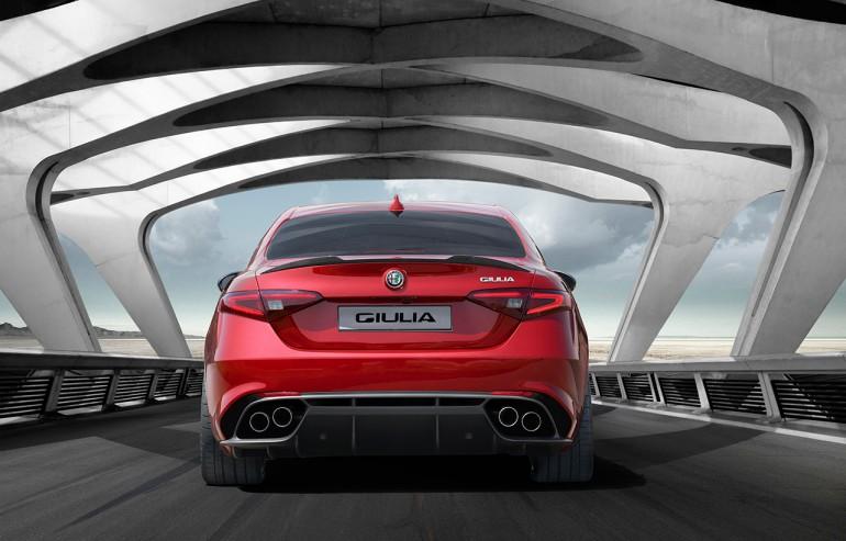 Alfa_Romeo_Giulia_rear