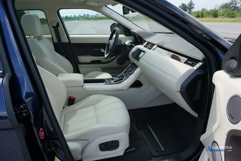 2015-land-rover-range-rover-evoque-front-seats