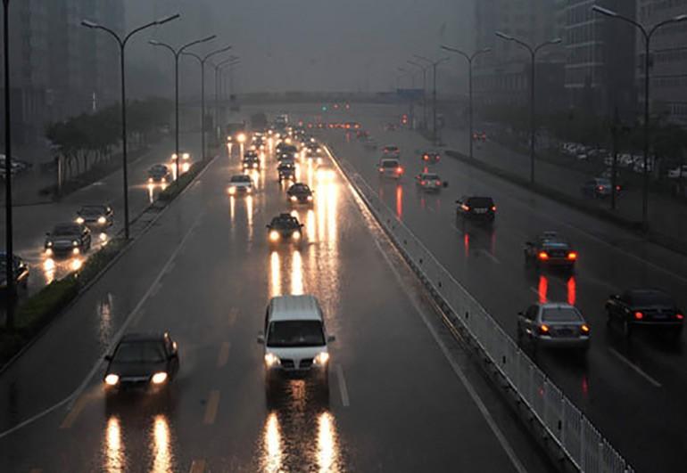illegal-florida-drive-hazards-on-rain-2