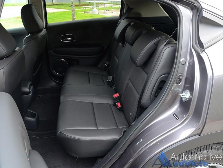 2016-honda-hr-v-rear-seats