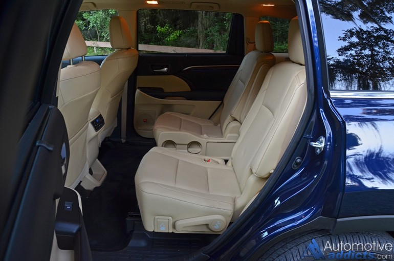toyota highlander 2015 has a third row seat autos post. Black Bedroom Furniture Sets. Home Design Ideas