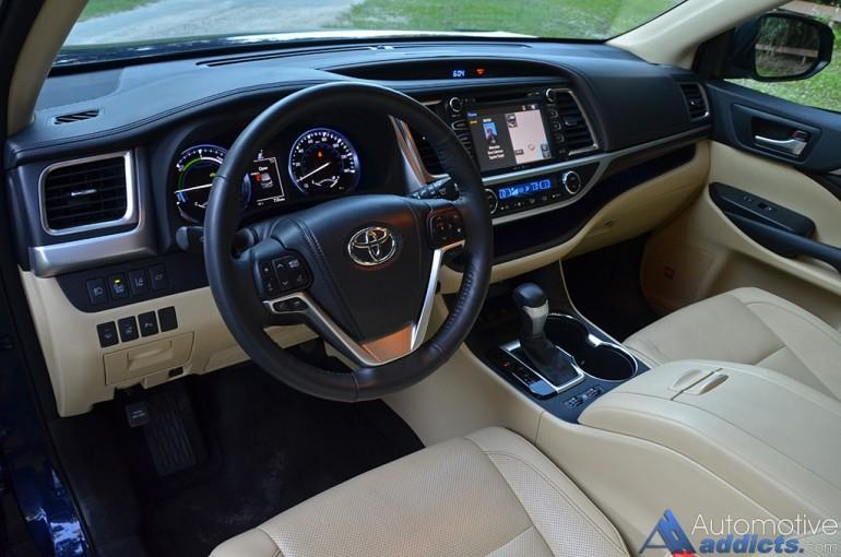 2015-toyota-highlander-hybrid-dashboard