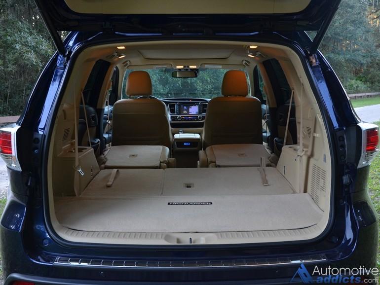 2015-toyota-highlander-hybrid-rear-cargo-seats-down