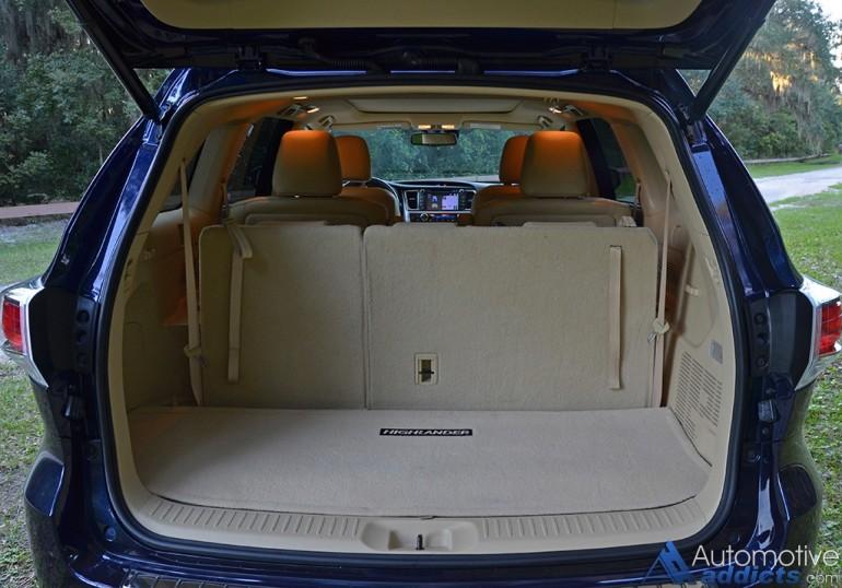 2015-toyota-highlander-hybrid-rear-cargo-seats-up