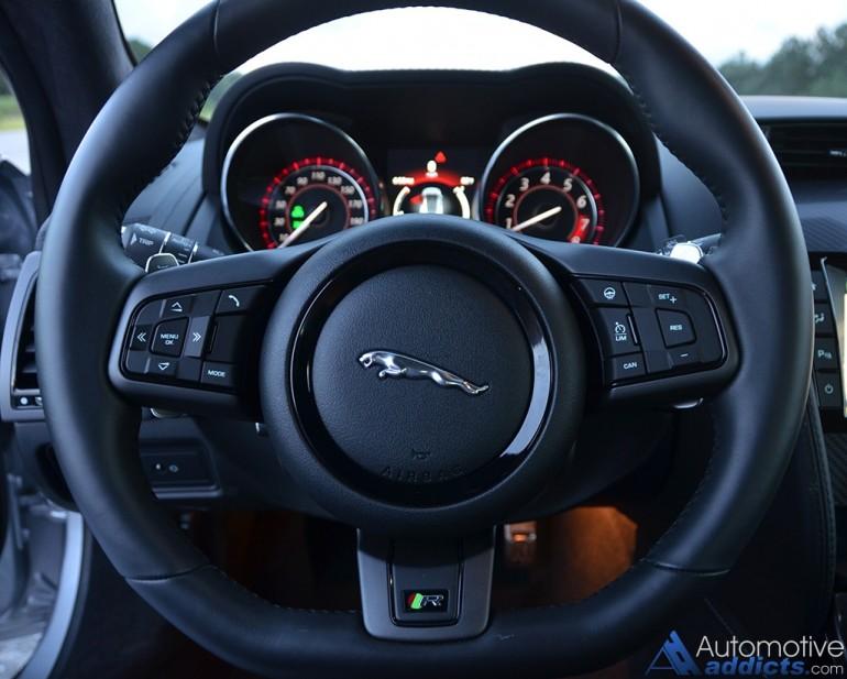 2016-jaguar-f-type-r-coupe-steering-wheel