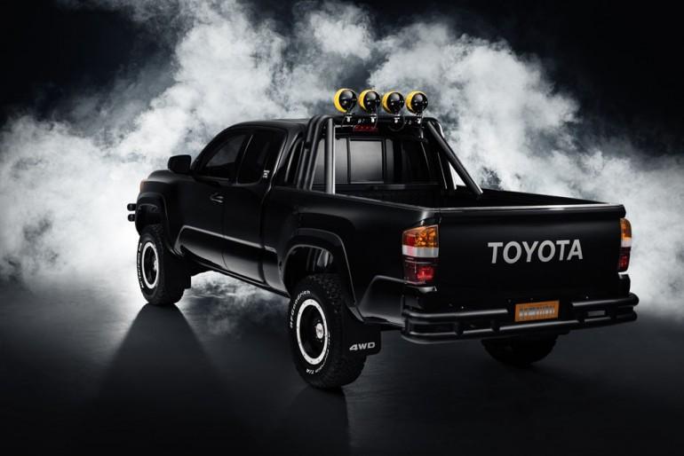 BTTF_Toyota_Tacoma_04