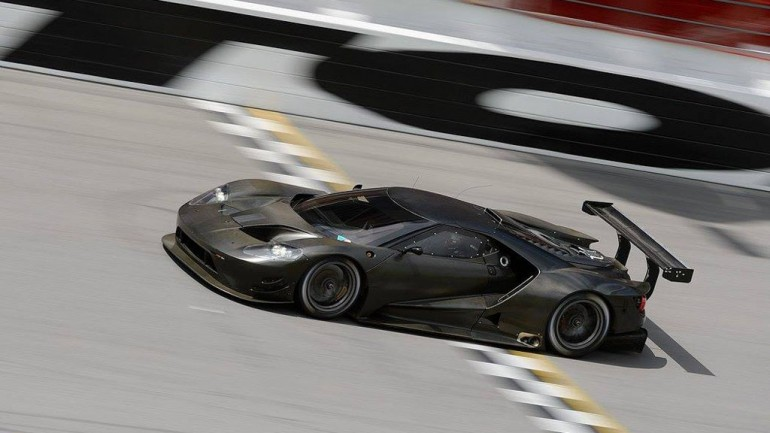 Test Runs Begin for Ford GT Racecar at Daytona International Speedway: Video