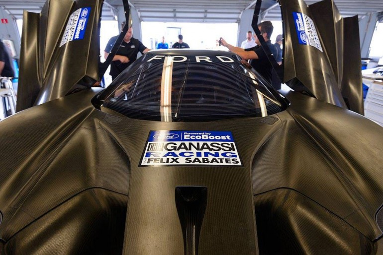 ford-gt-racecar-chip-ganassi-racing-daytona-fl-2