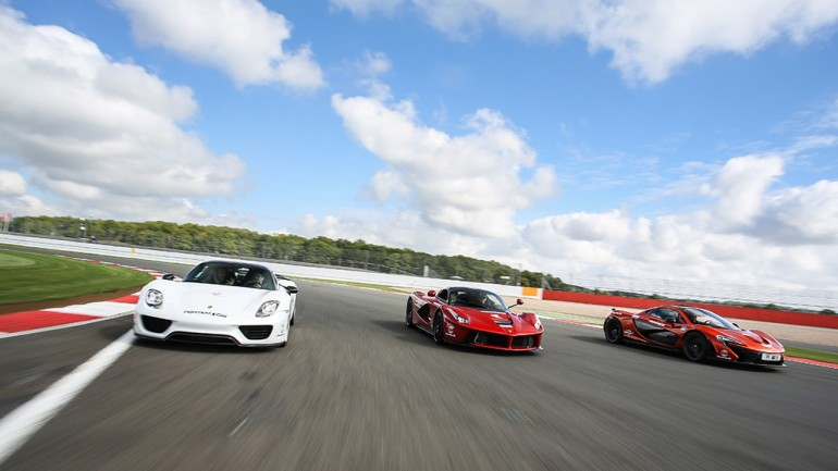 McLaren P1, LaFerrari, Porsche 918 Duke it out on Track to find out which is Fastest: Video