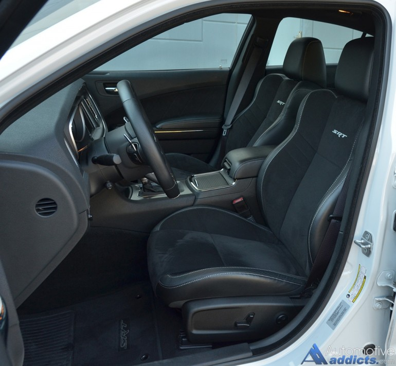 2015-dodge-charger-srt-hellcat-front-seats