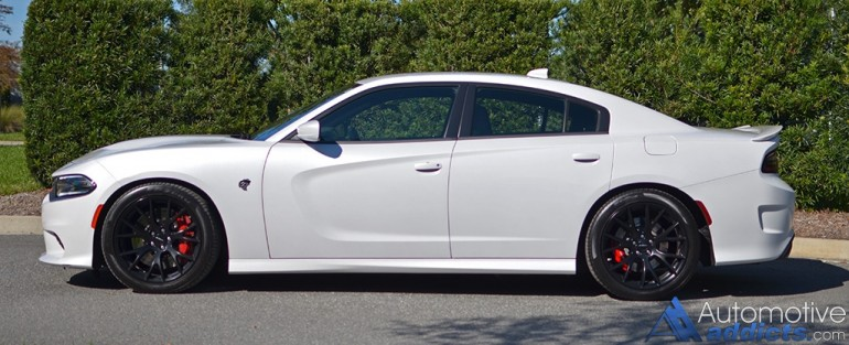 2015-dodge-charger-srt-hellcat-side