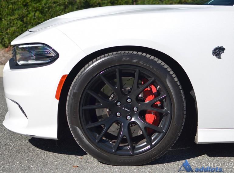 2015-dodge-charger-srt-hellcat-wheel-tire