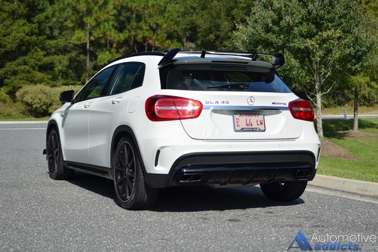 2015-mercedes-benz-gla45-amg-rear