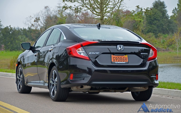 2016-honda-civic-sedan-touring-rear