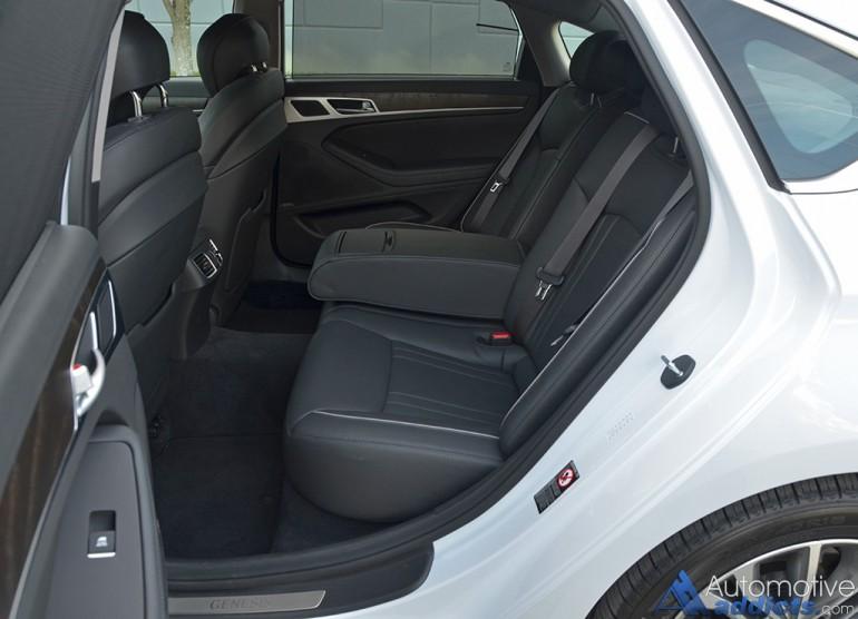 2016-hyundai-genesis-rwd-38-rear-seats