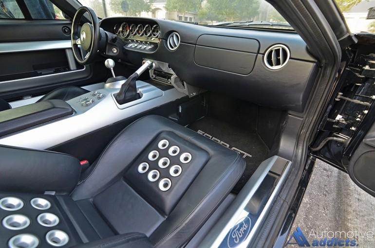 2005-ford-gt-interior
