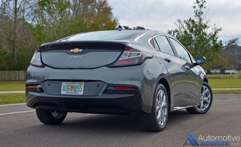 2016-chevrolet-volt-rear-2