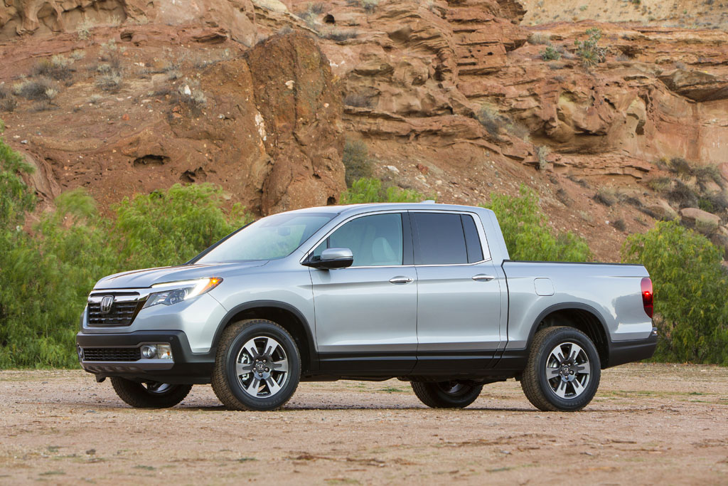 Honda trucks up with 2017 ridgeline at 2016 detroit auto show for 2016 honda ridgeline price