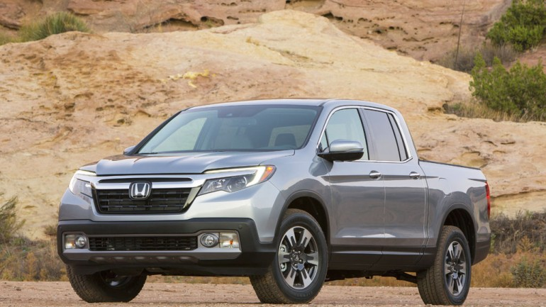 Honda Trucks-Up with 2017 Ridgeline at 2016 Detroit Auto Show