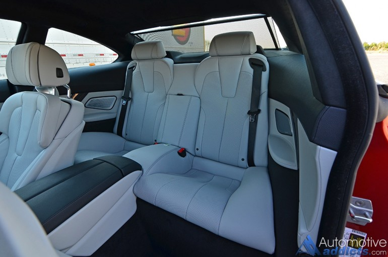 2016-bmw-m6-rear-seats