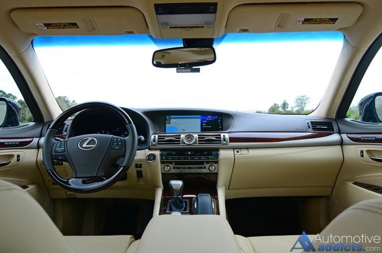 2016-lexus-ls-460l-dashboard