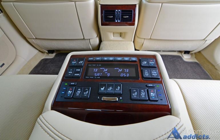 2016-lexus-ls-460l-rear-seat-controls