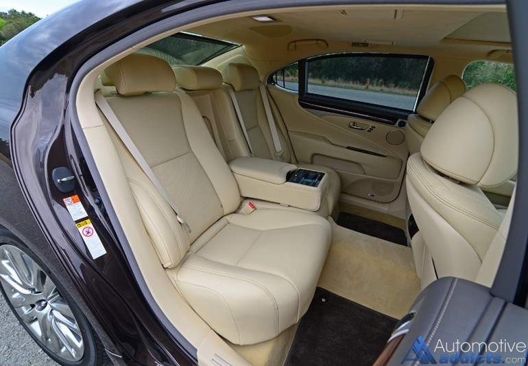 2016-lexus-ls-460l-rear-seats-2