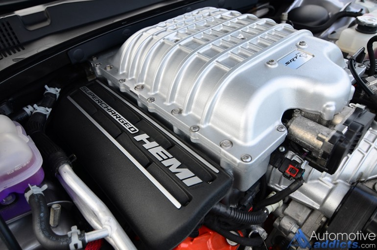 2016-dodge-charger-hellcat-engine-supercharger
