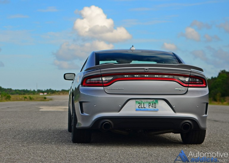 2016-dodge-charger-hellcat-rear-1