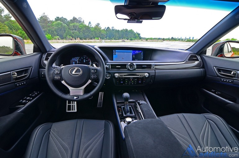 2016-lexus-gs-f-dashboard