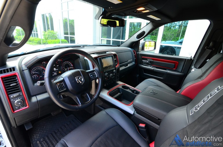 2016-ram-1500-rebel-dashboard