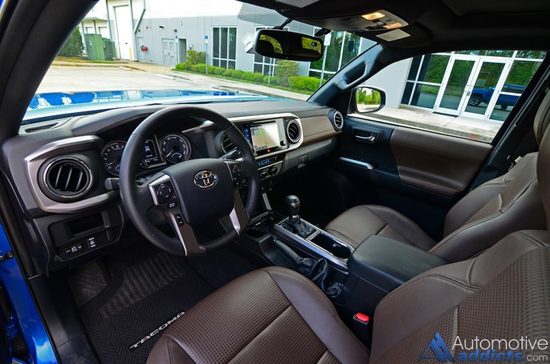 2016-toyota-tacoma-4x4-limited-dashboard