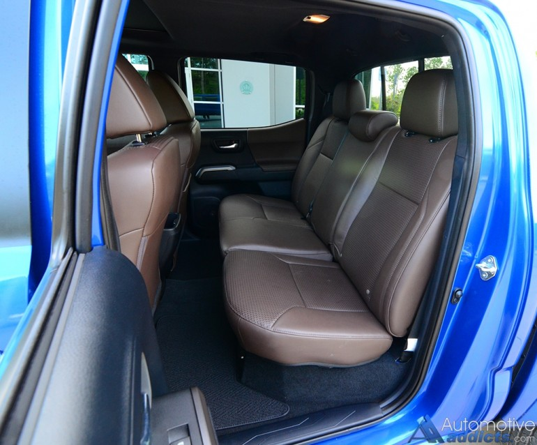 2016-toyota-tacoma-4x4-limited-rear-seats