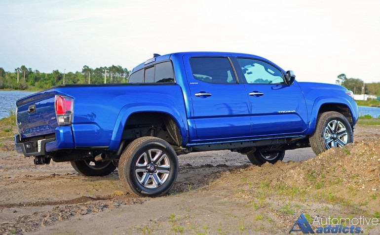 2016-toyota-tacoma-4x4-limited-side-dirt-mound